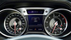 נורות האזהרה ברכב: למה חשוב לשים לב, ומה עושים כשהן נדלקות?