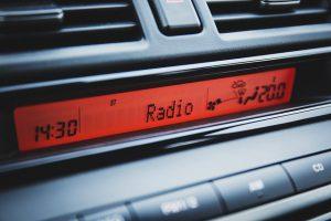 כל עולם התוכן פרוס לפניכם: תחנות הרדיו המושמעות ביותר זמינות אונליין