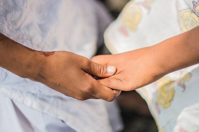 קהילות תמיכה לנשים שעברו לידה שקטה