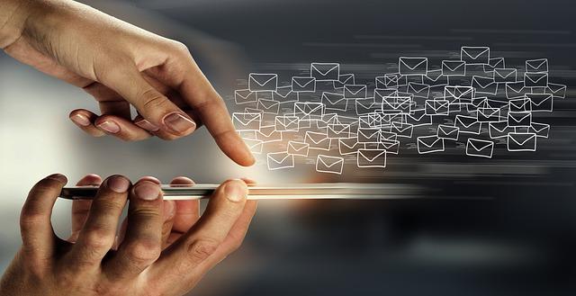 המדריך להייטקיסט - איך לכתוב אימייל רשמי, אפקטיבי ובלי קלישאות